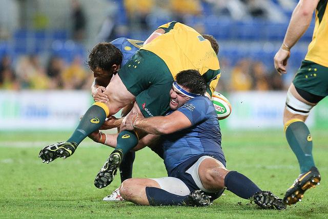 Herrera tackleando GC